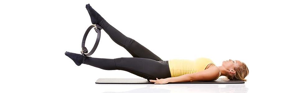 k rperbalance mit floor pilates verspannungen l sen beweglichkeit verbessern muskeln dehnen. Black Bedroom Furniture Sets. Home Design Ideas