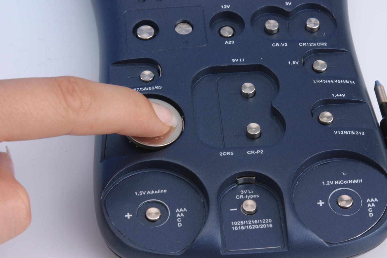 Testeur de pile ansmann energy check lcd pour les piles et - Pile plate 3v ...