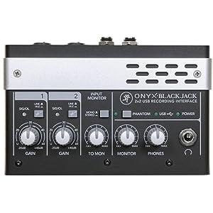 小さなスタジオにもビッグなソリューション 2×2USBオーディオインターフェース Mackie Onyx BlackJack