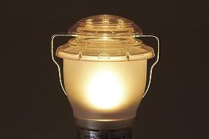 クリアベンチレーターで光が上に通り抜け、反射効果によってテント内を広範囲に明るく照らします