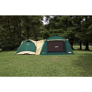 広い室内空間と耐風性に優れたスクリーンタープ テントと連結