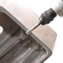 ハイスビットを使用して金属加工