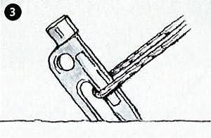 ソリッドステーク ヘッドが地面に食い込むとフックも地面に刺さる