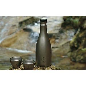 酒筒 日本酒を酌み交わしながら、四季の風情を粋に楽しむ。