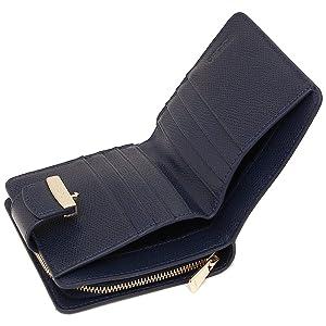 8da6f1f6eaaa FURLA(フルラ)の2つ折り財布が登場しました。 メタルの留め具がアクセントになったシンプルな一品。  広いマチ付きの小銭入れは中身をひと目で確認でき、スマートな ...