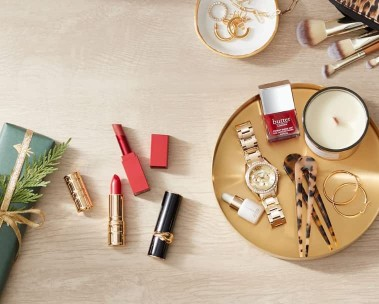 Shop holiday beauty gifts