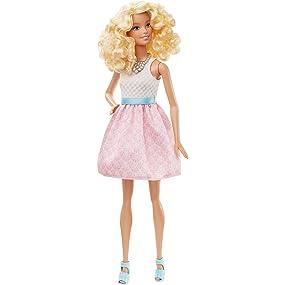 Barbie DGY57 Fashionistas - Bambola con Abbigliamento Rosa ...