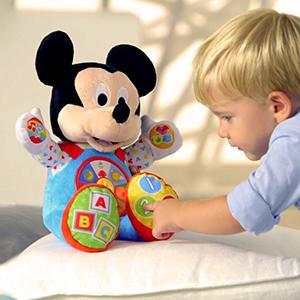 Este suave peluche es un simpático amigo con quien jugar. El niño podrá apretar una de las 6 secciones de su barriguita, que se corresponden con las 6 ...