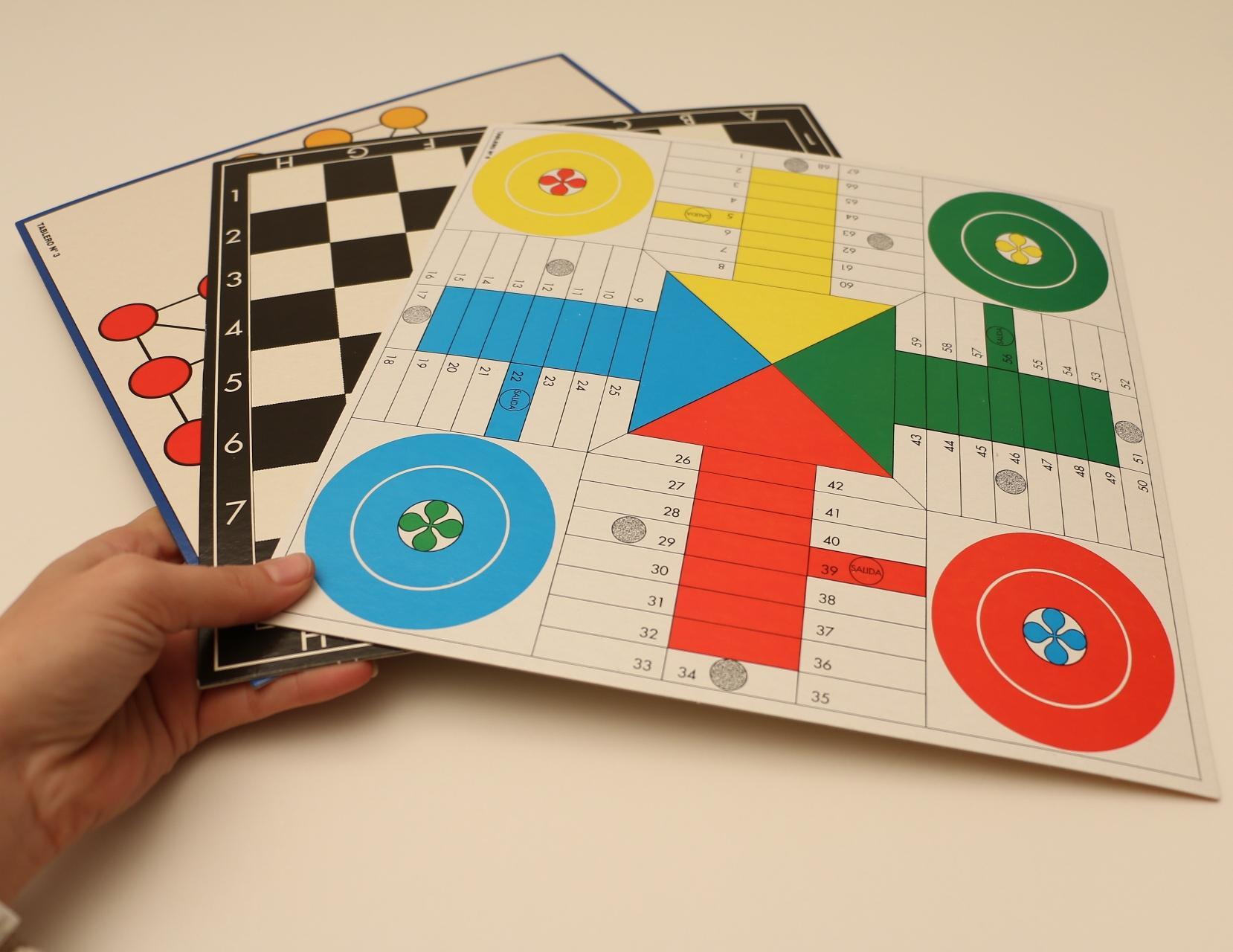 Falomir-400 400 Juegos Reunidos (32-1317): Amazon.es: Juguetes y ...