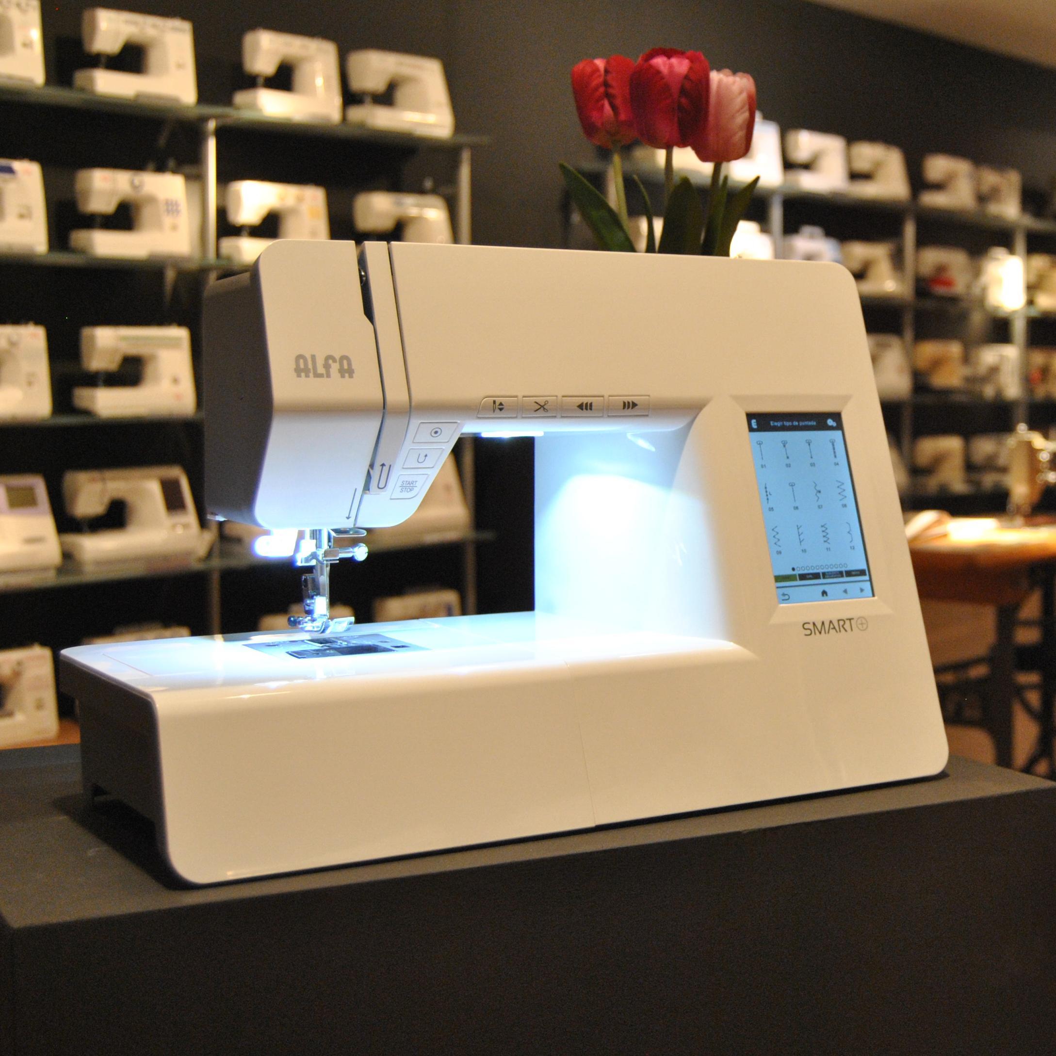 Alfa SMART PLUS - Máquina de coser electrónica (pantalla