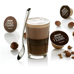 Bizcocho de chocolate con praliné de avellana al chococino