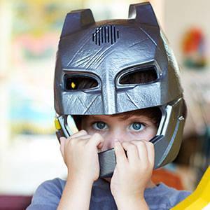 Batman - Máscara con luces y la voz de Batman (Mattel DHY31)