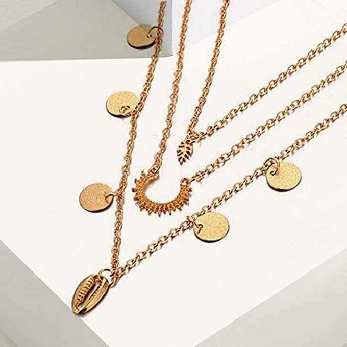 Layered chains to shine in the sun