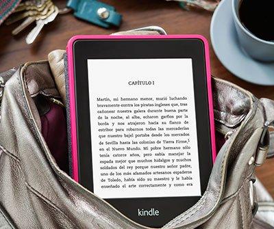 La funda para Kindle Paperwhite en un bolso