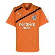 huge selection of e0b0e 3d9b7 Newcastle United Away Shirt 2011/12 - Medium: Amazon.co.uk ...