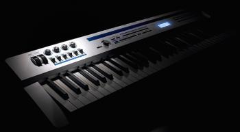 プロクオリティの演奏性を発揮する高性能ステージピアノ