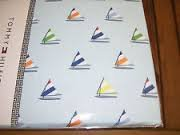 tommy-hilfiger-fabric-sailboat-motif-blue-tablecloth-70-round