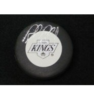 Signed Blake, Rob (Los Angeles Kings) Hockey Puck (Smudged Signature) autographed