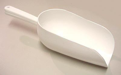 C.R. Mfg Plastic Flour Scoop, 16 oz. White. Overall Size 10'' Bowl Size 3-1/4'' x 6''