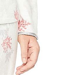 7bbba9b802 Adonna Women s Plus Size Microfleece 2-Piece Pajamas Sleep Set (Ivory Sue  Floral