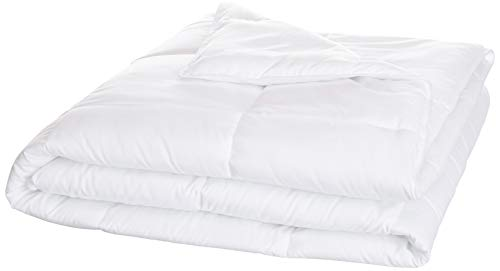 AmazonBasics Conscious Series Down-Alternative Comforter with Recycled Poly Fill - Full or Queen