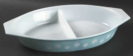 Vintage 12 5/8 in. Oval Divided Vegetable Bowl in Snowflake Turquoise by Pyrex ()