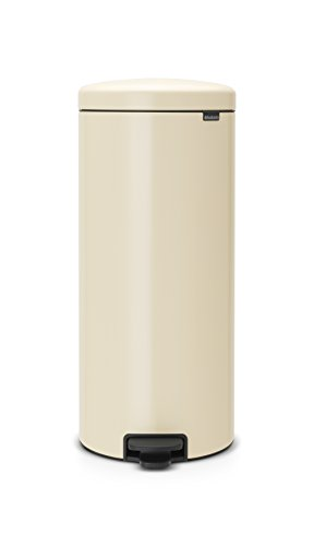 Brabantia-Step-Trash-Can-with-Plastic-Inner-Bucket-White-7-gallon