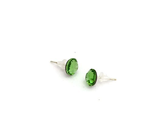 Light Green Stud earrings with 7mm Swarovski crystal on silver plated post - one pair - Fashion Jewelry - 7mm Light green faux diamond earrings