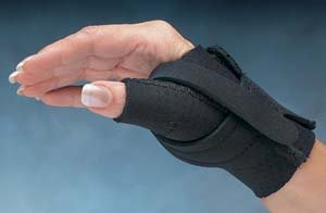- Comfort Cool Thumb CMC Restriction Splint - Size: Medium, Left