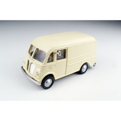 HO IH Metro Delivery Van, White by CLASSIC METAL