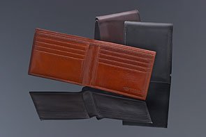 Bosca Men's Old Leather Classic 8 Pocket Deluxe Executive Wallet Cognac Wallet