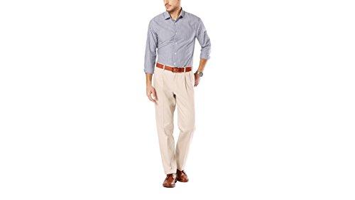 (Dockers Men's Signature Khaki Classic-Fit Pleated Pant, Cloud - 31W x 32L)