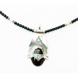 bijoucolor - Collier touareg déesse en argent et perles de verre noires - I30-46-110-deesse-noir