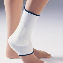 - FLA Orthopedics FL40-450MDSTD Prolite Compressive Ankle Support with ViscoElastic Insert - Size- Medium -8 - 9 in.