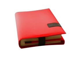 BookSkin rubinrot: elegante Buchhülle aus Mikrofaser mit integriertem Lesezeichen