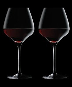 (The One Wine Glass - Perfectly Designed Shaped Red Wine Glasses For All Types of Red Wine By Master Sommelier Andrea Robinson, Premium Set Of 2 Lead Free, Crystal Glasses, and Break Resistant)