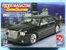 (2005 CHRYSLER 300C 1:25 Scale Rides Magazine Custom Collection AMT / ERTL Skill Level 2 Plastic Model Kit)