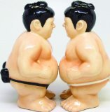 Sumo Wrestlers Attractives Salt Pepper Shaker Made of Ceramic by Pacific Trading