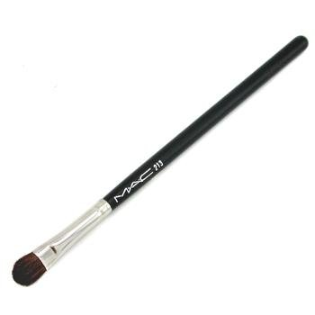 The Perfect Makeup For Mature Skin Plus Application Tips - MAC Cosmetics 213 Eye Shadow Fluff Brush