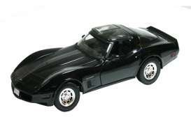 Chevrolet Corvette Black - 1982 Chevrolet Corvette Black 1/18 by Welly 12546 by Welly