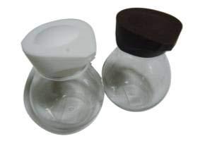 One push soy sauce dispenser pot bottles 2sets.It is OK to put sauce,lemon juice,vinegar.Convenient for table use.