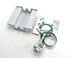 - HAMPTON BAY 610543-E204150 610543E204150, Track KIT, W/Float Live Feed Connector, White MOUNTING Plate