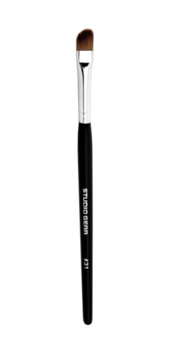 Studio Gear Cosmetics Eyeliner Brush, No. 31 Invincible, 0.2 Ounce (Studio Gear Concealer)