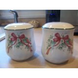 Corelle Callaway Holiday Salt & Pepper Set