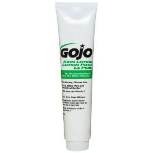 GOJO Skin Lotion, Silicon Free with Aloe and Vitamin E, 5 fl oz Non-Greasy Lotion Portable Squeeze Bottles (Case of 24) - 8140-24