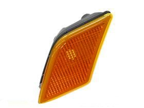 - Mercedes w204 GENUINE Side Marker Lamp LEFT Front on Bumper Cover