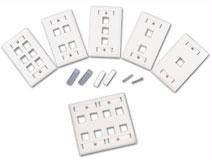 C2G 03712 Premise Plus Multimedia Keystone Wall Plate - Wall plate - ivory - 3 ports (Go Premise Plus Multimedia)