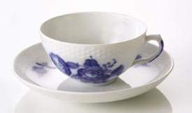 Royal Copenhagen Blue Flower Braided 1107083 Breakfast Cup & Saucer 12 1/4 oz