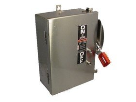 1- GE TH4321SS (SAME AS TH3321SS WITH NEUTRAL BAR) N4X STAINLESS STEEL 30A 240V 3PH 3 POLE FUSED, SAFETY SWITCH DISCONNECT