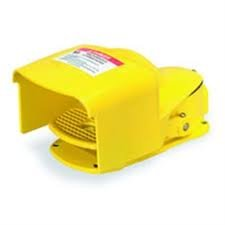1- SQUARE D 9002AW14 FOOT SWITCH 600VAC .6AMP PEDAL GUARD WATER TIGHT by SQUARE D